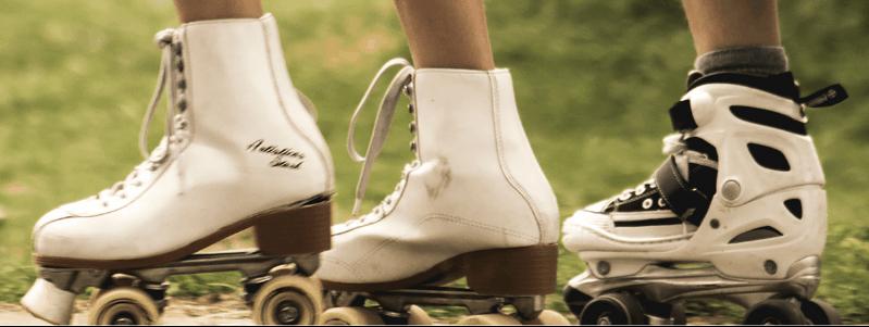 Image rapprochée sur 3 paires de patin à roue allignée